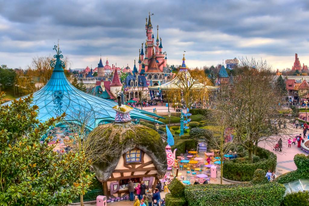 A Disney de Paris é uma opção pra quem quer fugir do lugar comum, ou pra famílias
