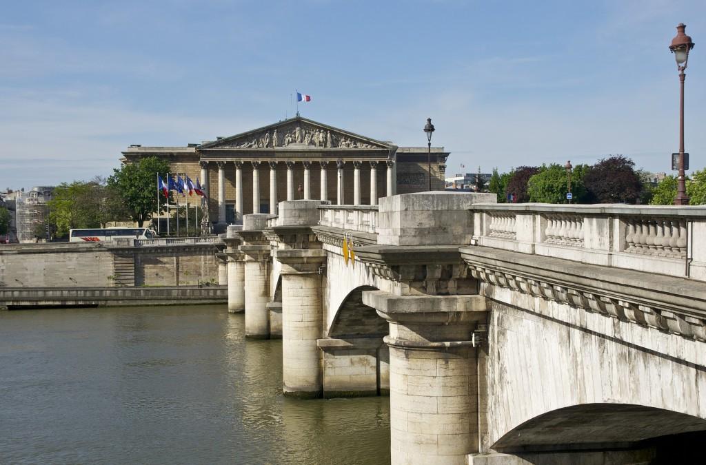 Paris_Pont_de_la_Concorde_Palais_Bourbon_Foto wikimedia